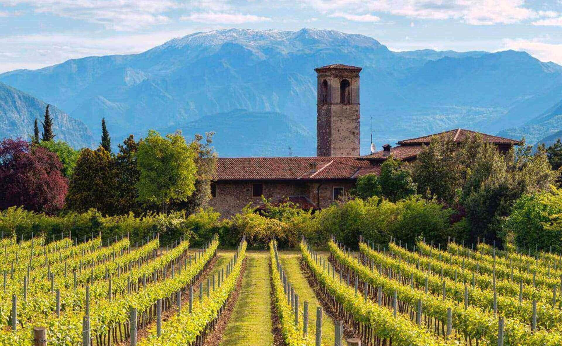 Eterogeneità di territorio, nel cuore del nord Italia, la Lombardia è la culla di eccellenze italian...